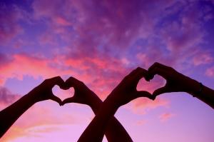 cool-cute-hand-hands-heart-Favim.com-220925 (1)